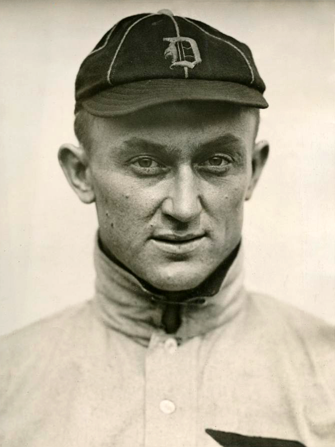 1913_Ty_Cobb_portrait_photo.png