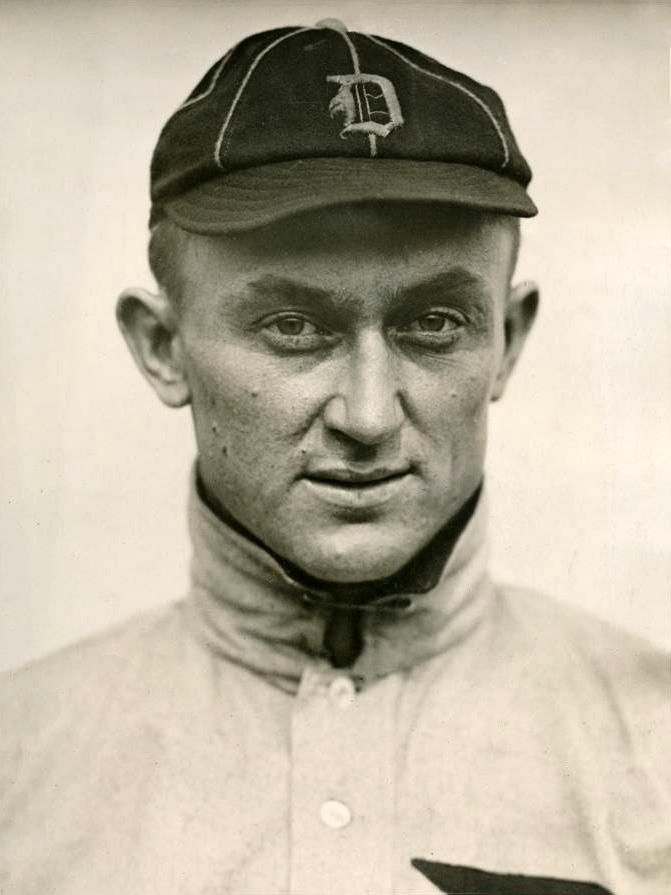 1913_Ty_Cobb_portrait_photo.png
