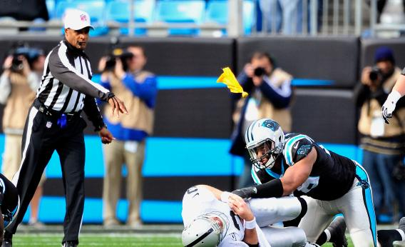 http://www.slate.com/content/dam/slate/articles/sports/sports_nut/2012/12/nfl_concussions_teams_should_have_to_play_a_man_down_after_a_flagrant_hit/158676676.jpg.CROP.rectangle3-large.jpg