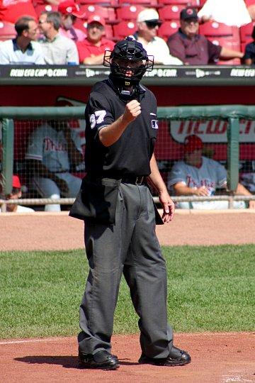 Baseball_umpire_2004.jpg