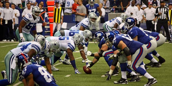 http://i.livescience.com/images/i/000/048/148/original/football-scrimmage-100818-02.jpg?1324346448